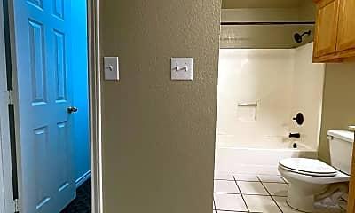 Bathroom, 403 W Brady St, 2