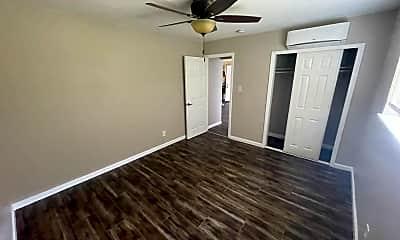Living Room, 3097 Freeport Blvd, 2