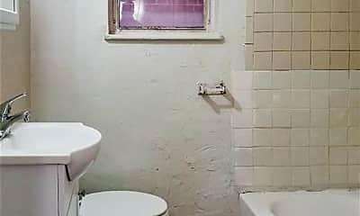 Bathroom, 625 W Dickson St, 2