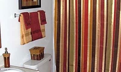 Bathroom, Meadowbrook at Kings Grant, 2