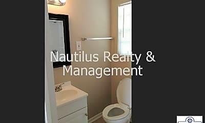 Bathroom, 305 Pennsylvania Ave, 2
