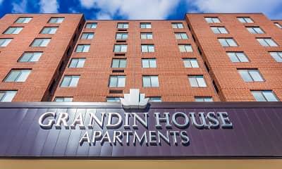 Grandin House, 0