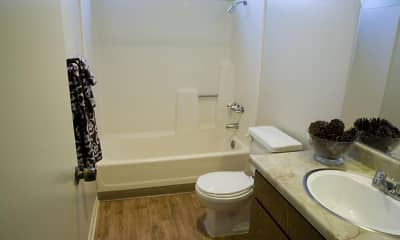 Bathroom, Greentree Gardens, 2