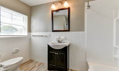 Bathroom, Pennside Manor, 2