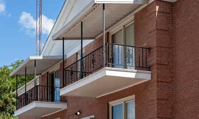 Patio / Deck, Cresthaven Apartments, 2