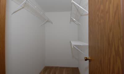 Stoneridge Apartments, 2
