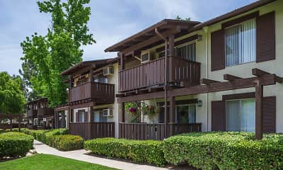 Country Hills Apartment Homes, 1