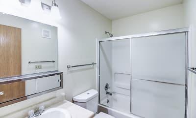 Bathroom, Oakland Pointe, 2
