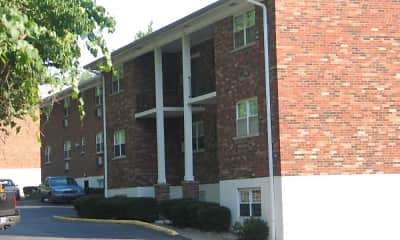 Building, Quail Hollow And Sherwood Knoll, 2