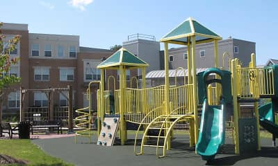 Playground, Tremont Pointe, 2