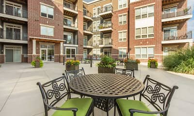 Courtyard, Parmenter Circle II, 2