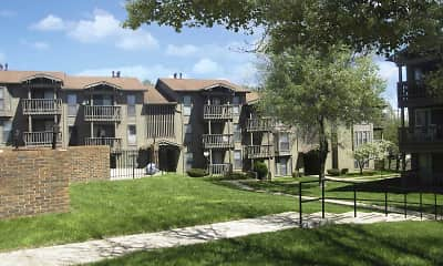 Building, Polo Run Apartments, 1