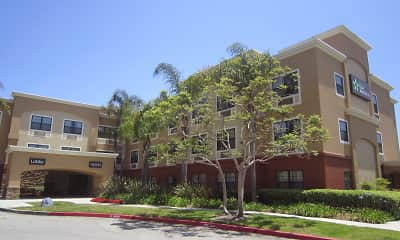 Building, Furnished Studio - Los Angeles - Torrance Harbor Gateway, 1
