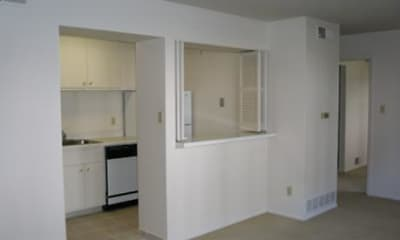 Northshore Apartments, 2