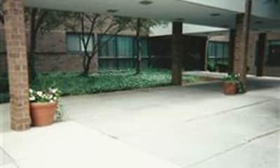 Roberts III Apartments, 2