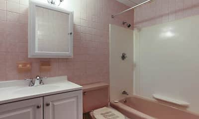 Bathroom, Mansion House Apartments Cranston, 2