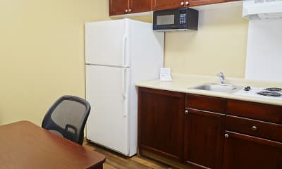 Kitchen, Furnished Studio - Kansas City - Lenexa - 87th St., 1