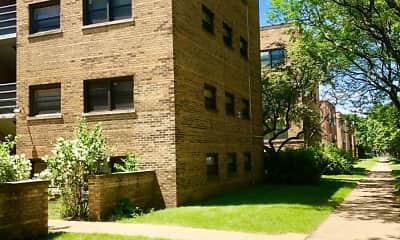 Building, 2709 W Summerdale Ave, 1
