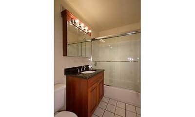 Bathroom, Fairfield Saxon Arms, 2