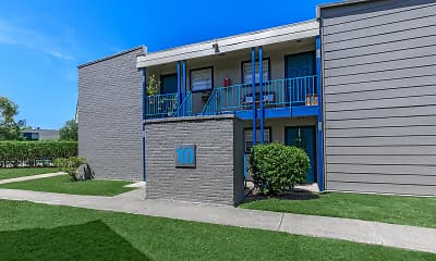 Sun Valley Apartments, 1