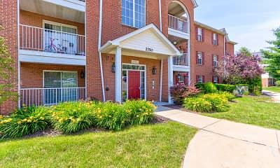 Building, Devlins Pointe Apartments, 1