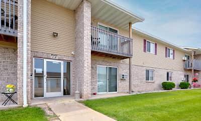 Building, Blue Heron Ponds Apartments, 0