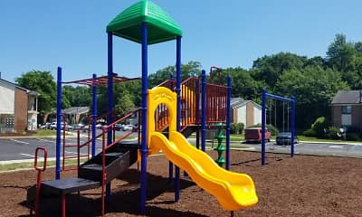 Playground, Woodland Crossing, 2