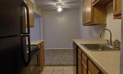 Kitchen, Crown Pointe, 2