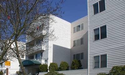 Building, Hill Crest Apartments, 0