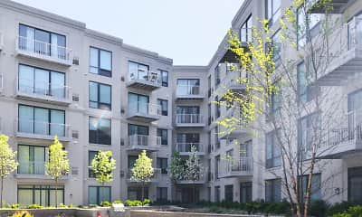 Courtyard, 121 Towne Apartments, 2