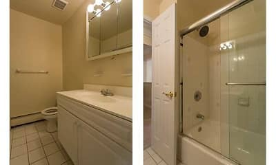 Bathroom, Fairfield at Woodview Gardens, 2