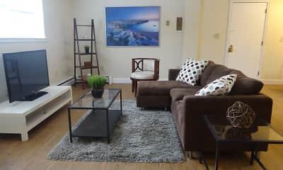 Farmington Gates Apartments, 1