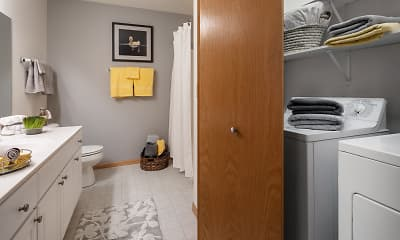 LeSilve Apartments, 2