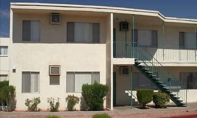 Building, Wyandotte Apartments, 2