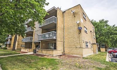 Building, 13905 S Clark Street, 2