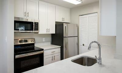 Kitchen, Stonecreek Club Apartment Homes, 1