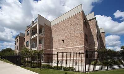 Building, Thomas Park Lofts Apartments, 1