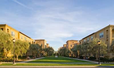 Palmeras Apartment Homes, 1
