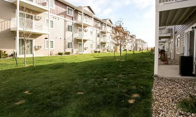 Building, Lincoln Meadows Apartments, 0