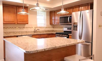 Kitchen, The LEGACY Apartments at Briarcliff, 0