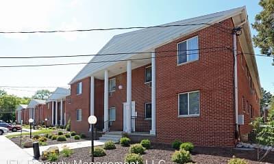 Building, The Ridge Apartments, 2