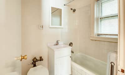 Bathroom, 1716 North Shore Ave, 2