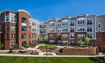 Building, Radiant Fairfax Ridge Apartments, 0