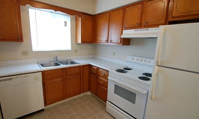 Kitchen, Colonial Crest Apartments Gas City, 1