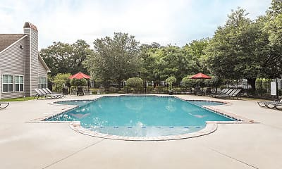 Pool, City Heights Denham Springs, 2