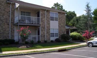 Building, Briar Park Apartments, 2