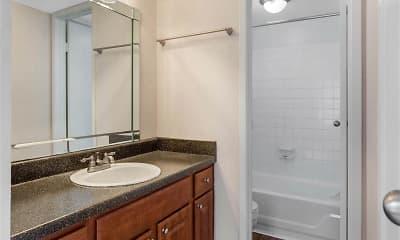 Bathroom, Cimarron Parkway Apartments, 2