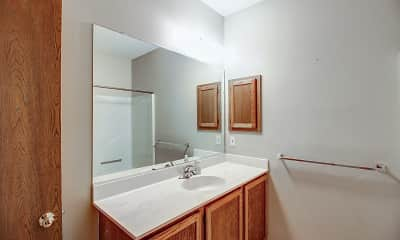 Bathroom, Wyndham Heights Apartments, 2