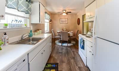 Kitchen, Roberts Mill Apartments & Townhomes, 1