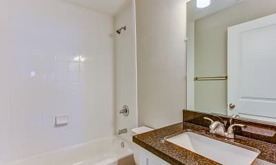 Bathroom, St. Laurent, 2